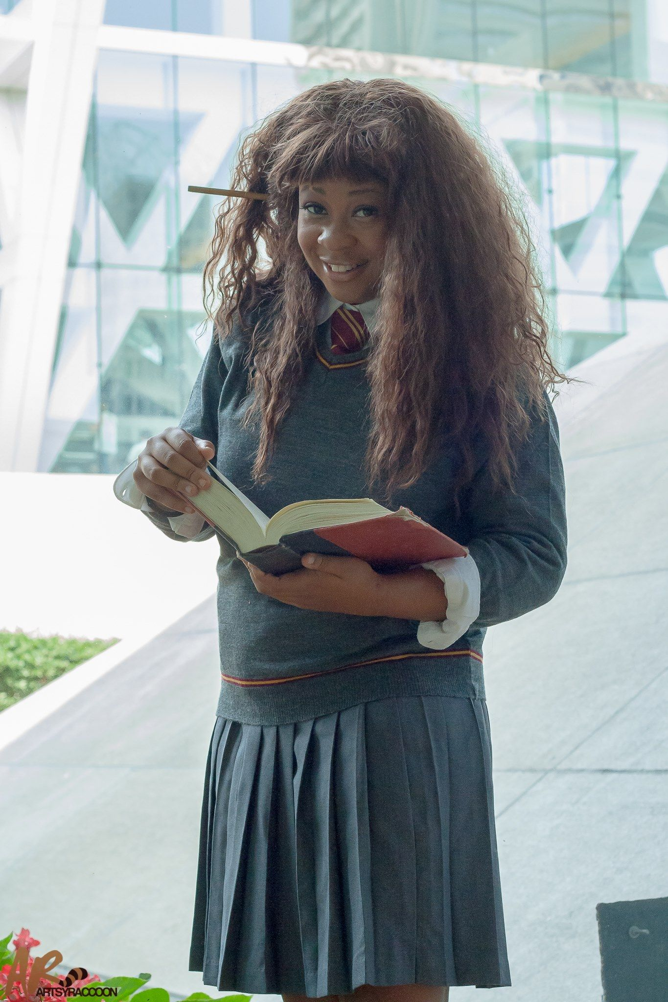 Awesome Hermione Granger by Khaleesi Cosplay.<--wow that is total Hermione