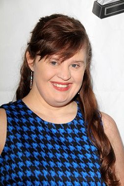 jamie brewer biography