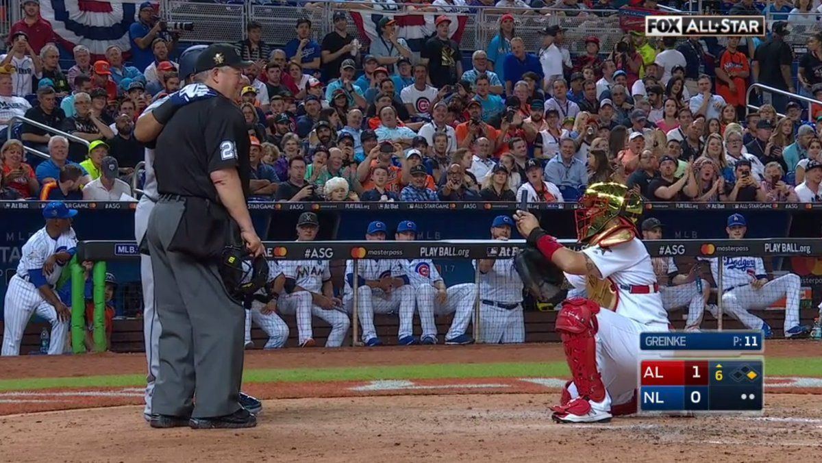 Nelson Cruz Got Yadier Molina To Take A Picture Of Him And Umpire Joe West At The 2017 All Star Game In Mia Stl Cardinals Baseball Baseball Memes Stl Cardinals