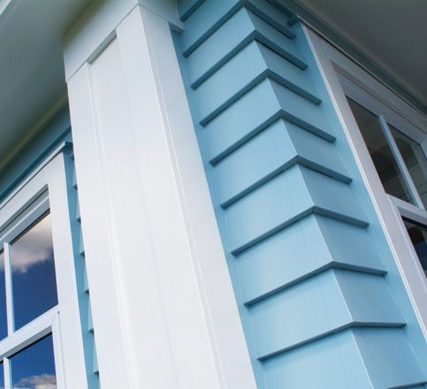 Hardie Artisan Siding With No Trim On Corners For A Contemporary Look These Have Metal Accents To En Siding Trim Traditional Home Exteriors Craftsman Exterior