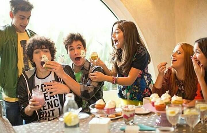 Agustin & Jorge & Michael & Karol & Ana Jara & Malena ❤ #HaveFun