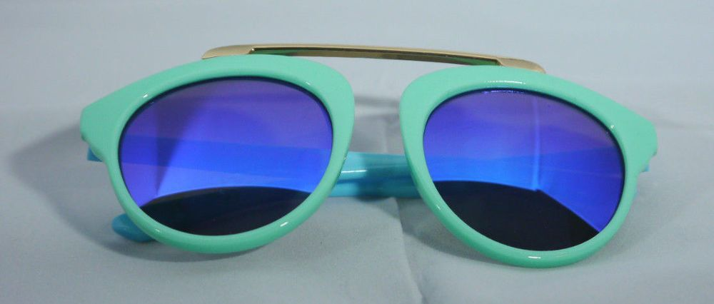 f898401b5d8 Kid s Sunglasses Italy Design 400 UV Protection Pilot Green Frames Blue  Temples  ItalyDesign