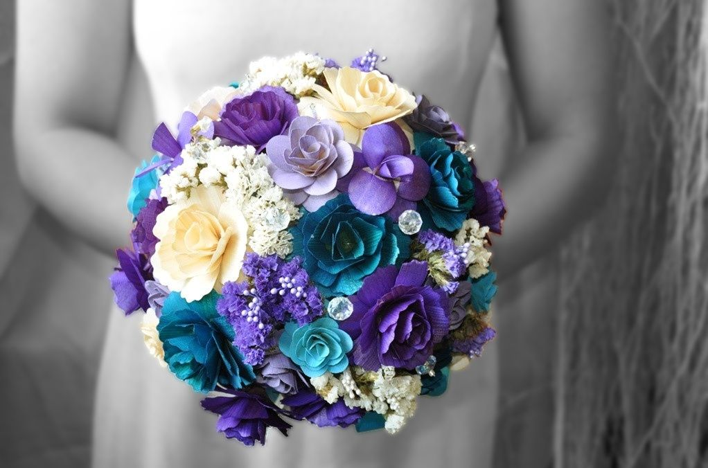 Blue And Purple Wedding Flowers With Butterflies Purple Wooden ...