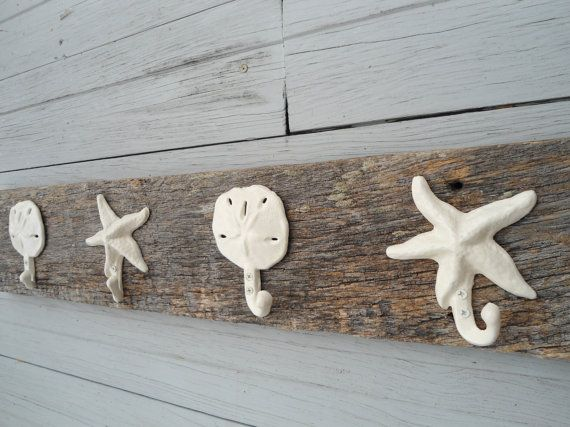 Pin By Kym Helms On Coastal Coat Hanger In 2020 Rustic Towels Beach Bathrooms Barn Wood