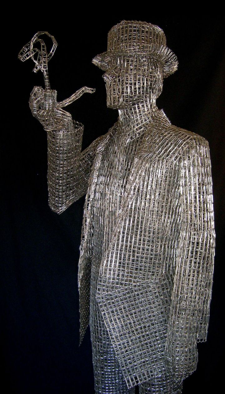 artist links thousands of paperclips to form sculptures | art bazaar