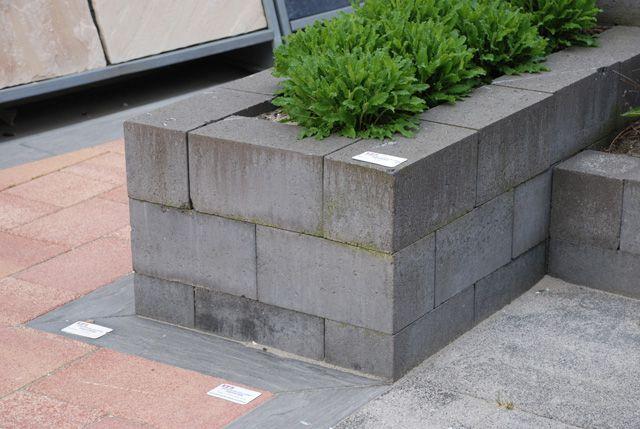 Stapelblokken tuin strak google zoeken inspiratie borders en bloembakken pinterest - Terras rand idee ...
