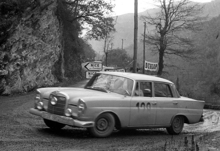 1960 monte carlo rally mercedes benz 220se drivers for Walter mercedes benz
