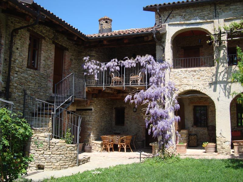 traditional country house in langhe piedmont italy - Traditional Country Homes