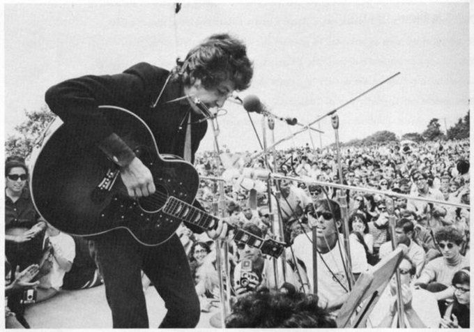 Bob Dylan performing at the Newport Folk Festival, 1965 (With ...