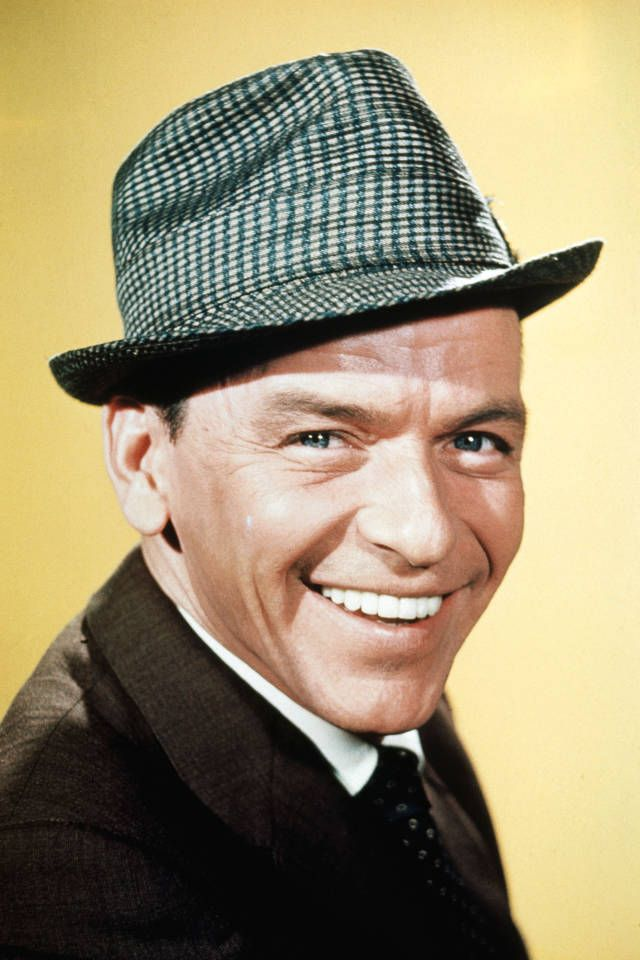 thelist mia morettis holiday playlist frank sinatra - Frank Sinatra White Christmas