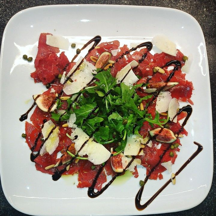 Photo of Beef carpaccio with rocket and parmesan from tasse23 | Chef