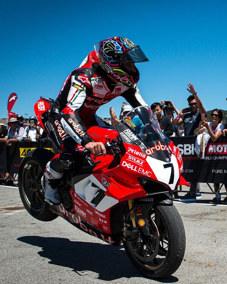 Welcome Back No Better Way To Celebrate The Milestone Chaz Davies Returns To Victory On The Panigale V4r With A Sp Ducati Ducati Motorbike Ducati Motorcycles