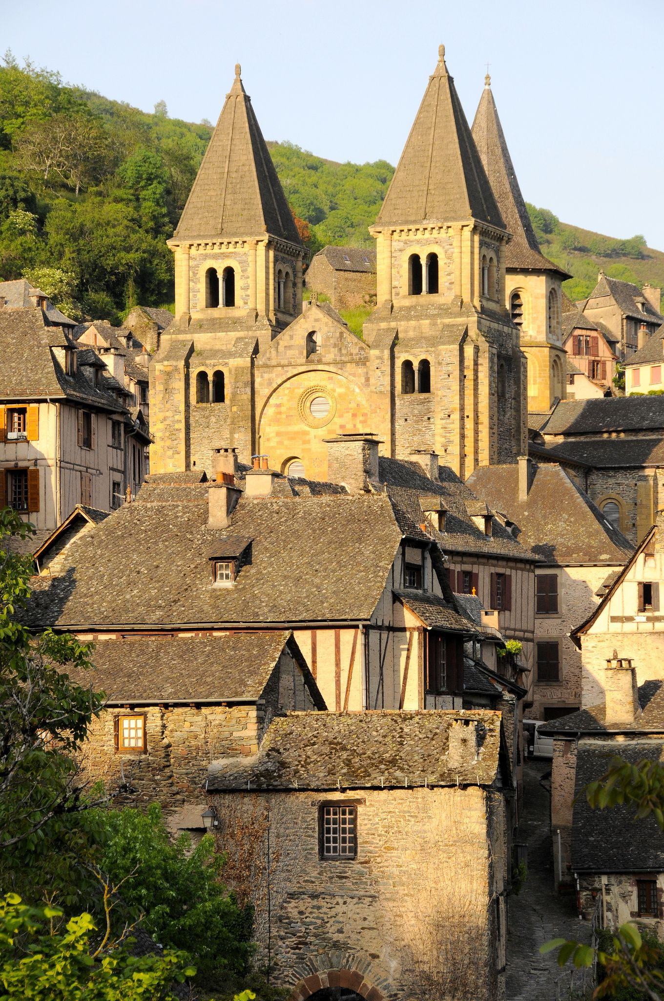 Chambre D Hote Conques France 2012 Abbaye Sainte Foy De Conques In 2019 Toms Game