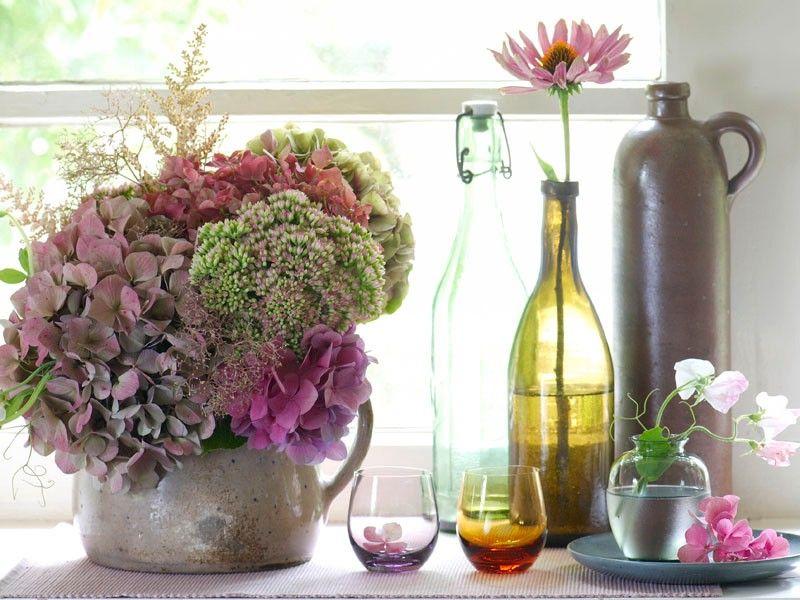 bildergebnis f r tischdeko mit hortensien und efeu aran ovanie blumen hortensien und deko. Black Bedroom Furniture Sets. Home Design Ideas