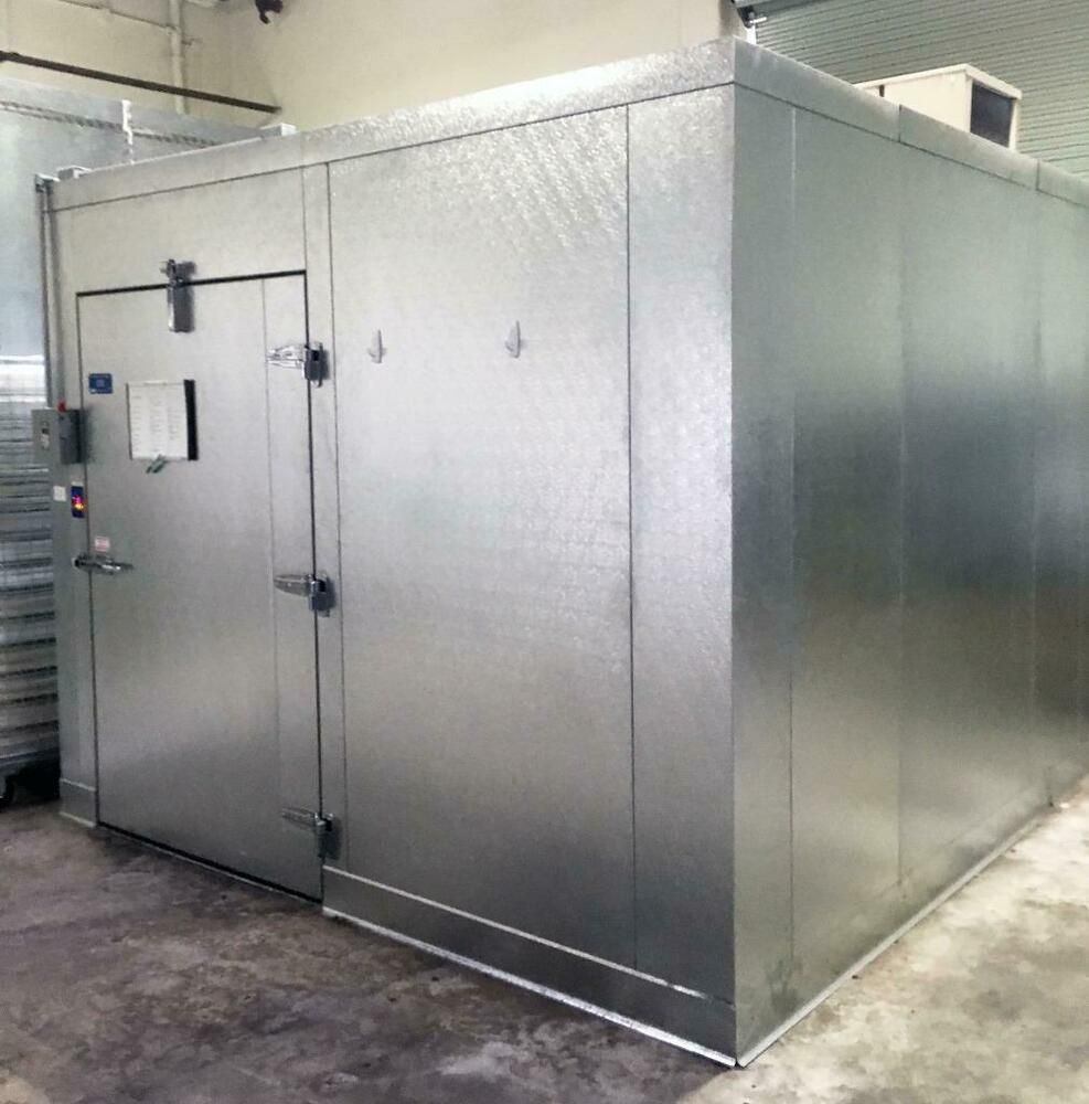 Commercial Walk In Cooler Barely Used Only 1 Year Old Guaranteed Fantastic Condition Larkin 2 Fan Evaporator Included He Cool Doors Locker Storage Cooler