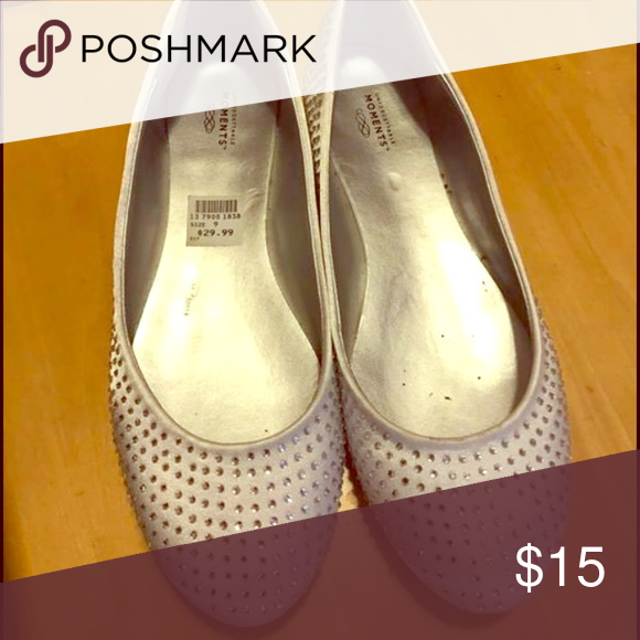 Moments Crystal Pearl Ballet Flats EUC, originally $29.99, from Payless Shoes Flats & Loafers