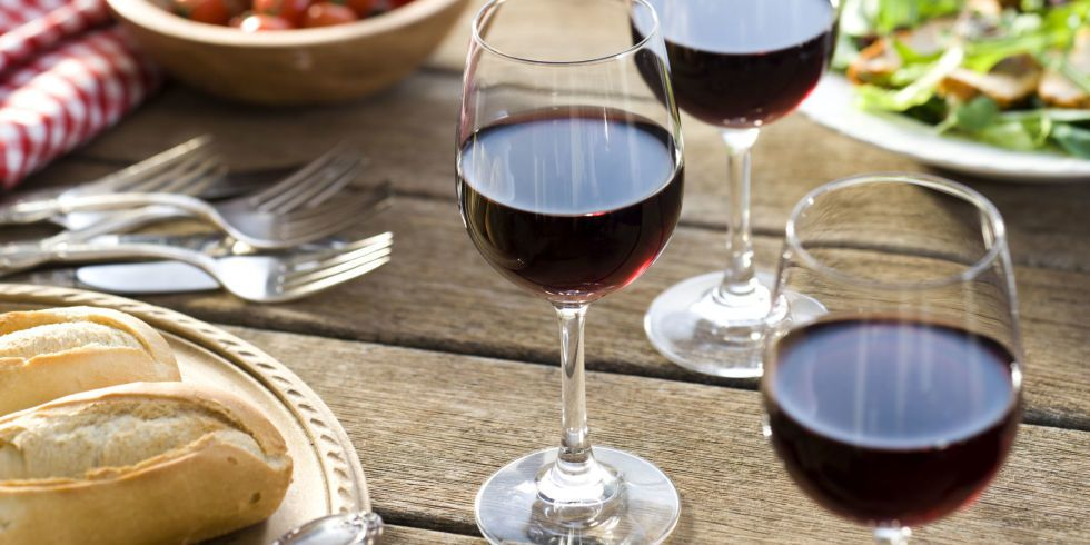 This Helpful Chart Shows How Long Wines Last Once Opened Calories In Red Wine Red Wine Wine Tasting Party
