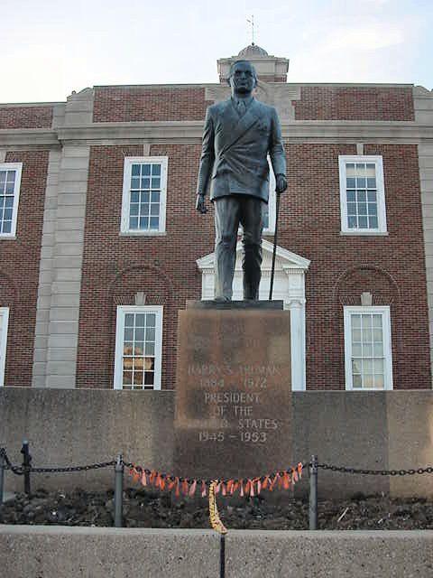 The Independence Square 202 W Maple Avenue Independence Missouri 64050 Phone 816 461 0065 Shop In Over Twenty Speci Jackson County Kansas Missouri Truman