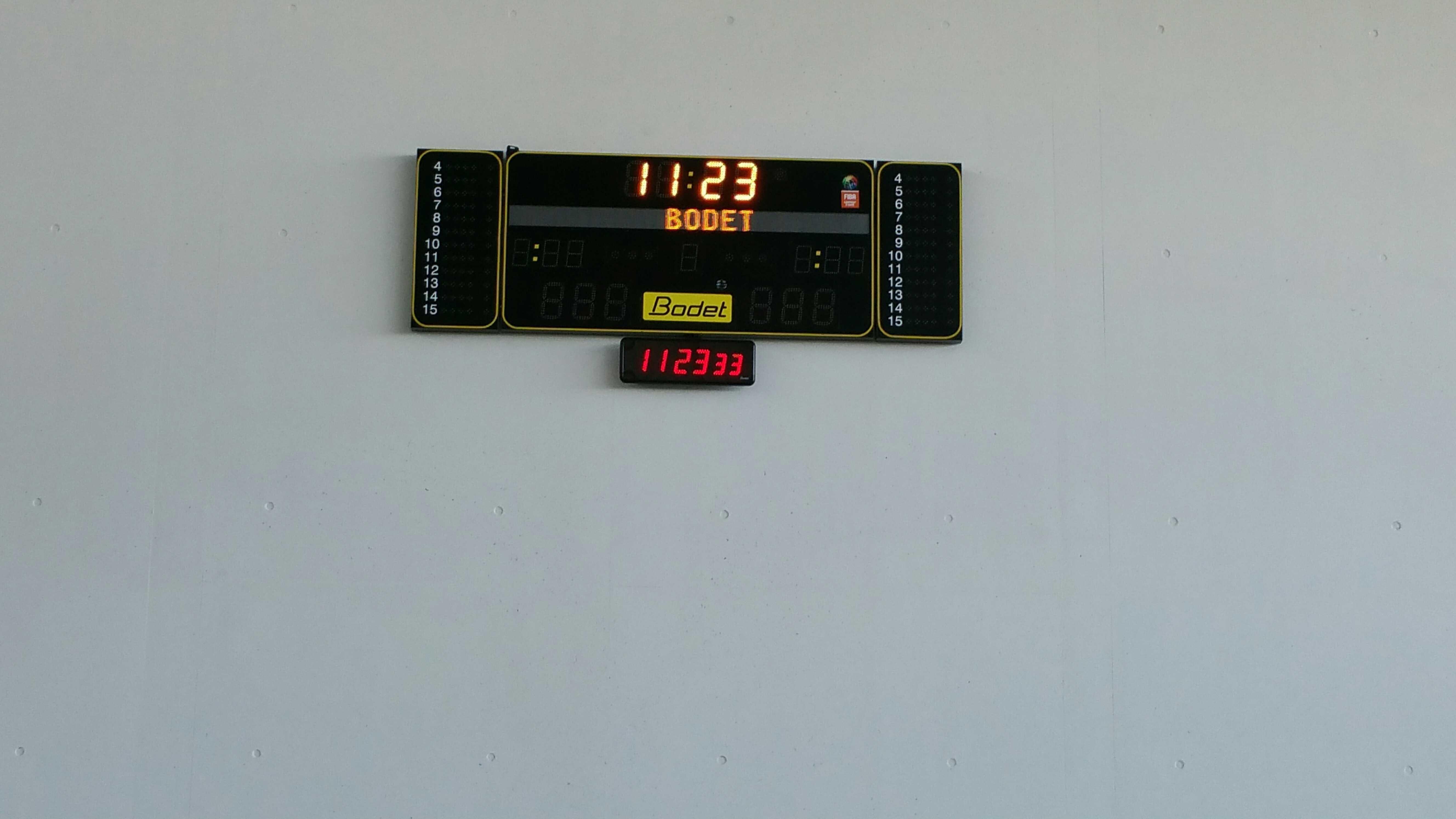Tableau d'affichage sportif Bodet BT6220 installé dans la