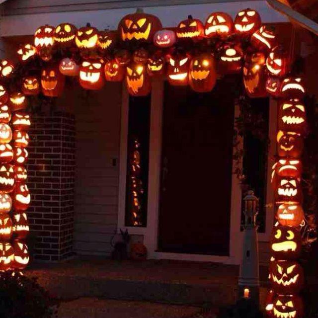 don morin 2011 halloween pumpkin arch construction - Fake Halloween Pumpkins