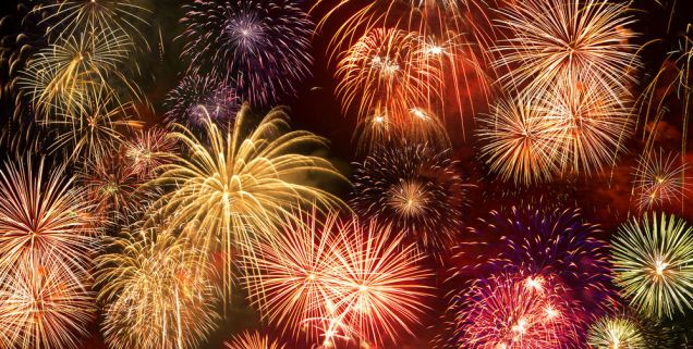 How To Take Fireworks Photos With Your Phone Fireworks Photo Fireworks Celebration Around The World