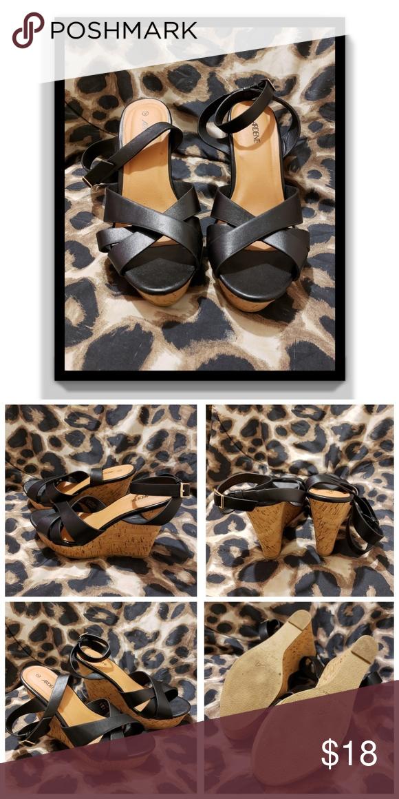 Ardene Wedge Sandals Still in good condition. Adjustable