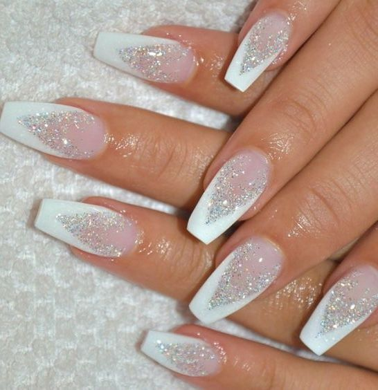 Acrylic White Glitter Nails For Christmas Party White Glitter Nails Cute Christmas Nails Christmas Nail Designs