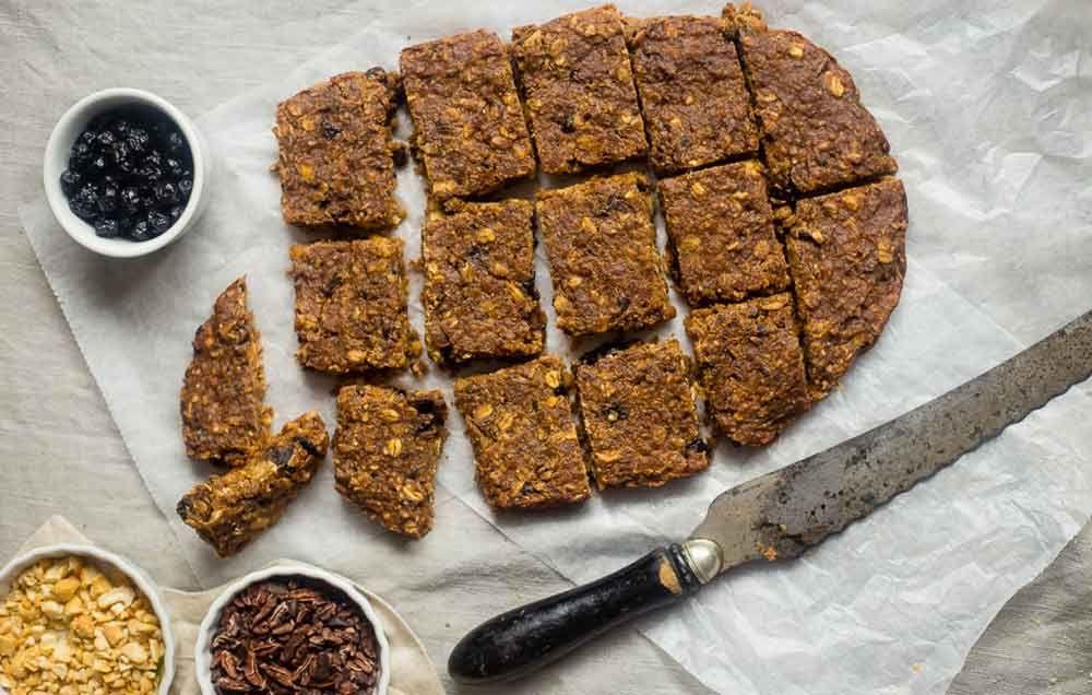 Slow Cooker Superfood Homemade Protein Bars http://www.prevention.com/eatclean/crockpot-energy-bar-recipes/slide/1