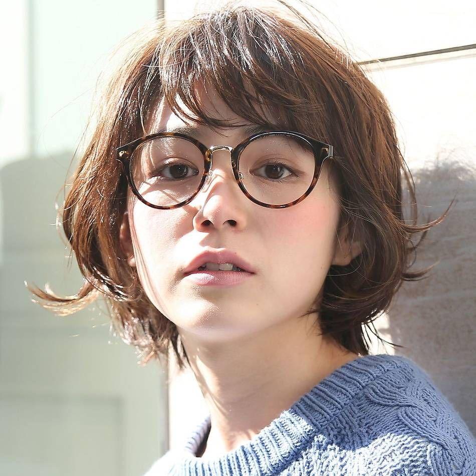 メガネさんにぴったり 女性らしさあふれるショートボブの髪型5選 髪型 ボブ ショートボブ 髪型