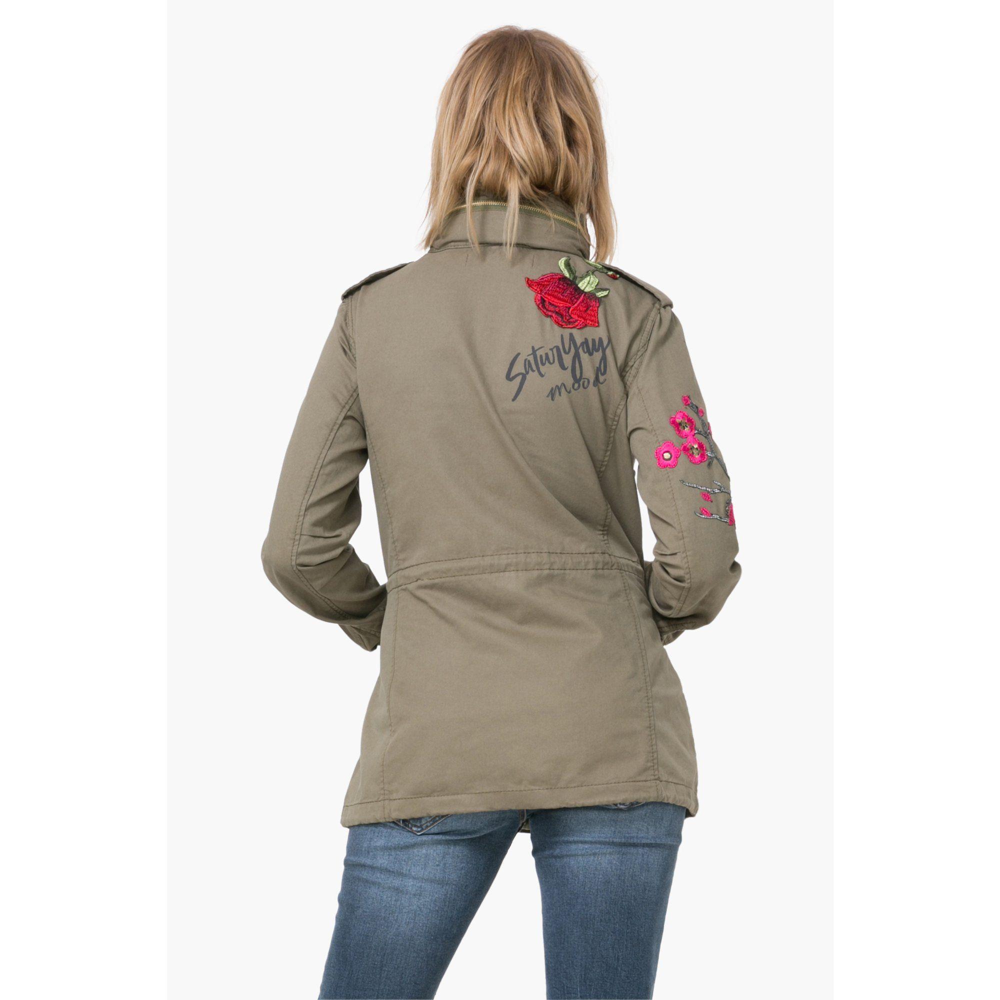 Veste cargo esprit militaire femme Taque Desigual. Shoppez le style  militaire sans négliger votre allure 1af01f3c8ad8