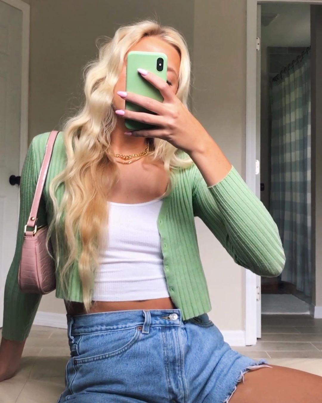 "Greta Knower on Instagram: ""green for fall 💚🐸"""