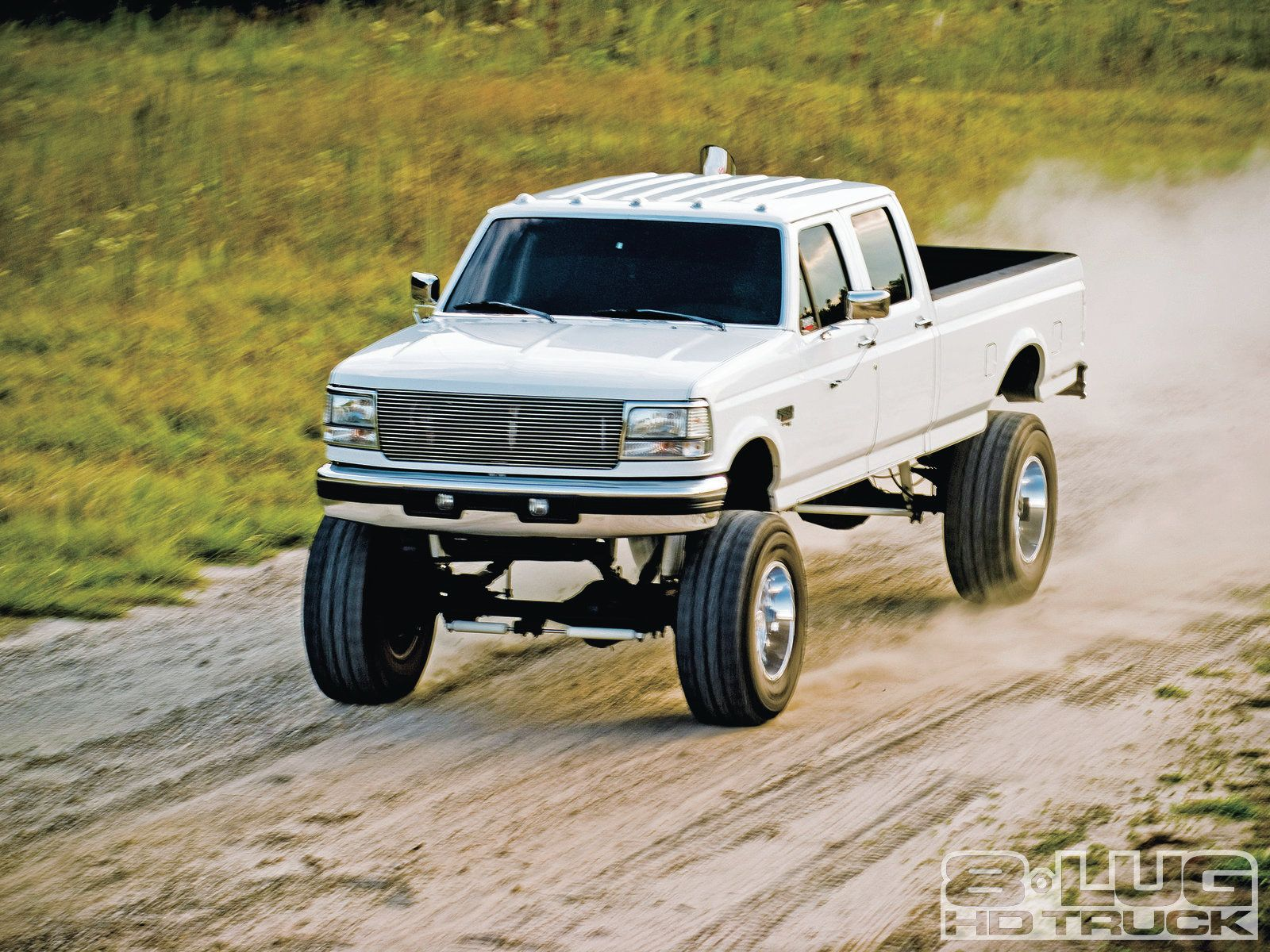 Still my overall favorite body style of ford 7 3 powerstroke crew cab long box