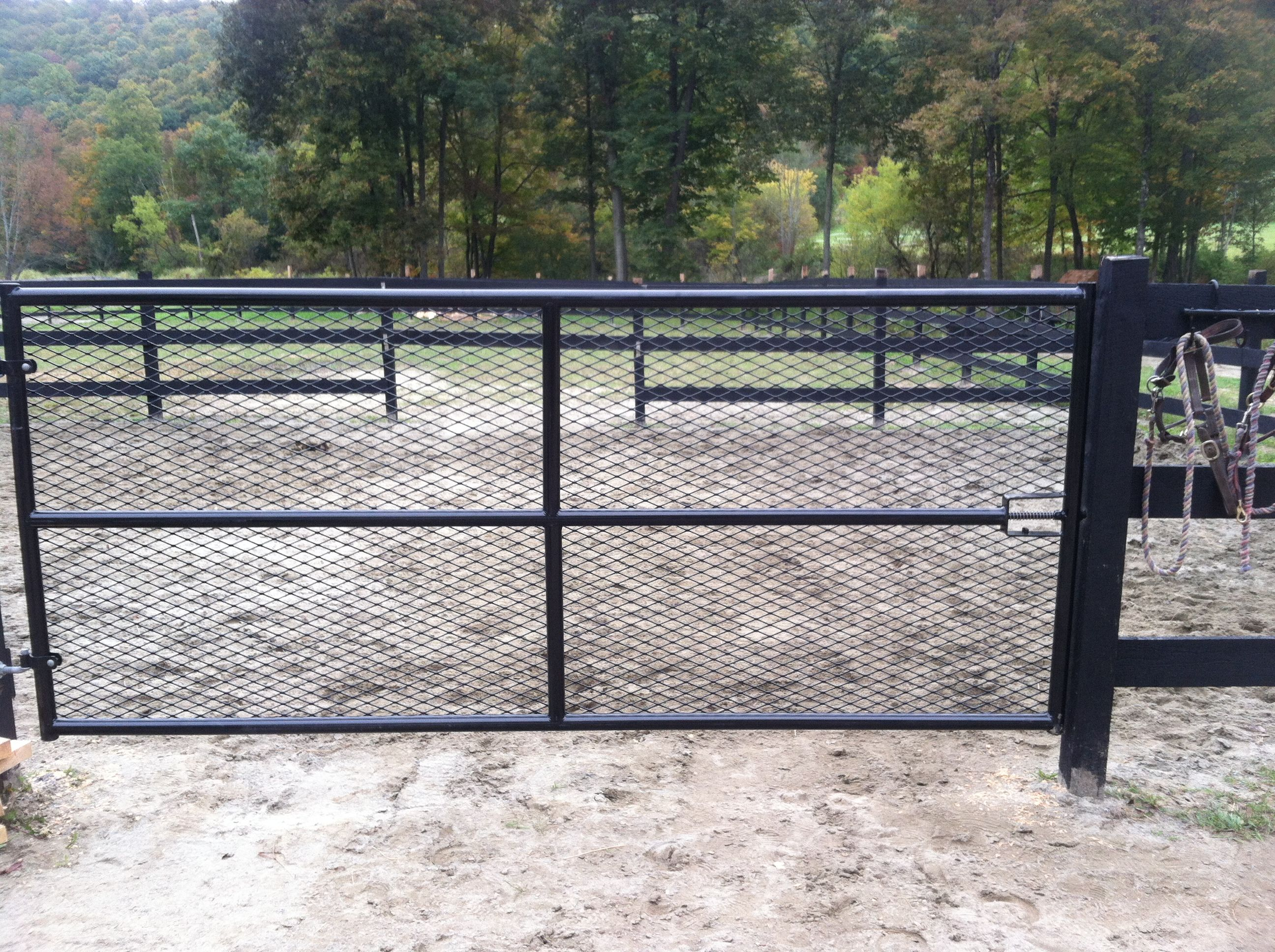 Mesh Pasture Gate Horse Barn Fencing Posts Amp Gates