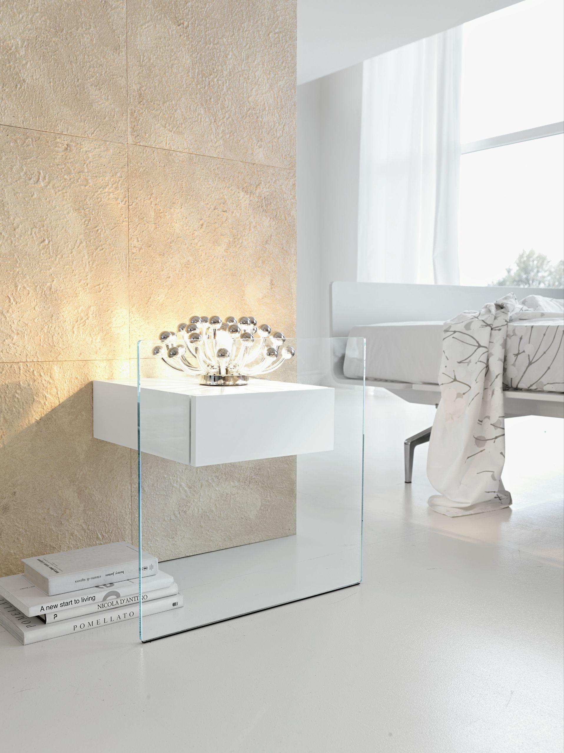Nachttisch Aus Glas Do Mo By Tonelli Design Design Maurizio Castelvetro Nachttisch Glas Wandtisch Design