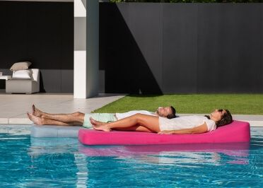 Exceptional Explore Blue Skies, Swimming Pools, And More! TRANSAT FLOTTANT DESIGN ...