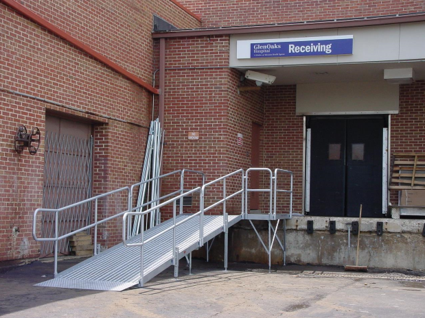 Best Galvanized Steel Ramp System With Double Bar Handrails And 400 x 300