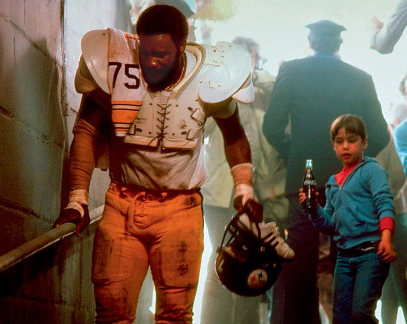 Mean Joe Greene A Mountain Of A Man Suffered From Self Esteem Issues He Was Picked On B Pittsburgh Steelers Football Pittsburgh Steelers Pittsburg Steelers