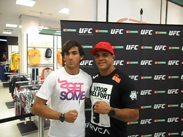 Com o lutador de UFC, Vitor Belfort.