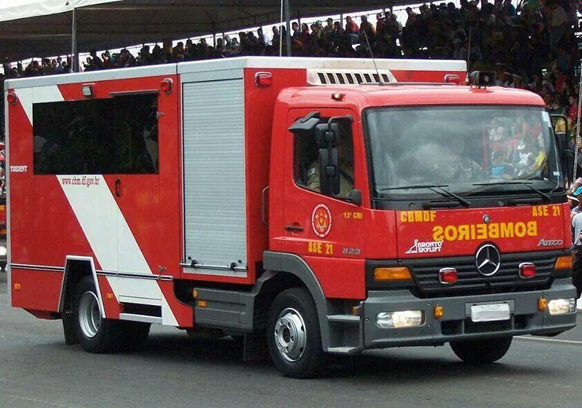 Pin Von Sivapraveen Auf Fire Trucks Other Countries Einsatzfahrzeuge Feuerwehr Fahrzeuge Feuerwehr