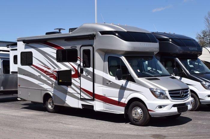2017 Tiffin Motorhomes Wayfarer 24qw M20233 Tiffin Motorhomes