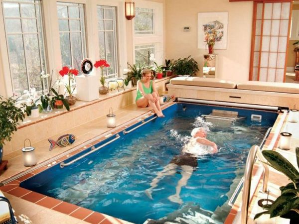 Whirlpools für Innen halten den Körper fit und dienen zur