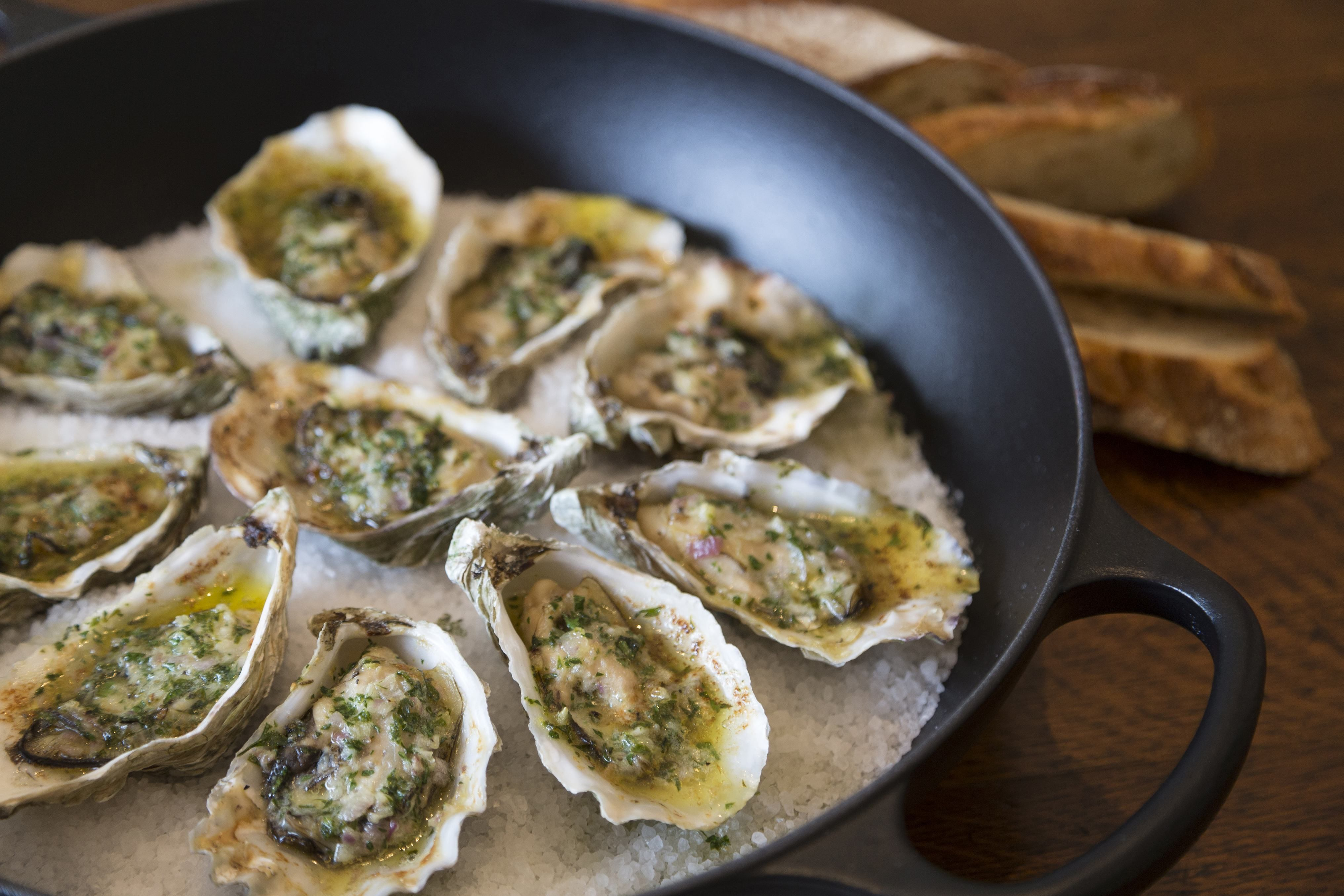 Grilled oysters with parsley and garlic butter recipe