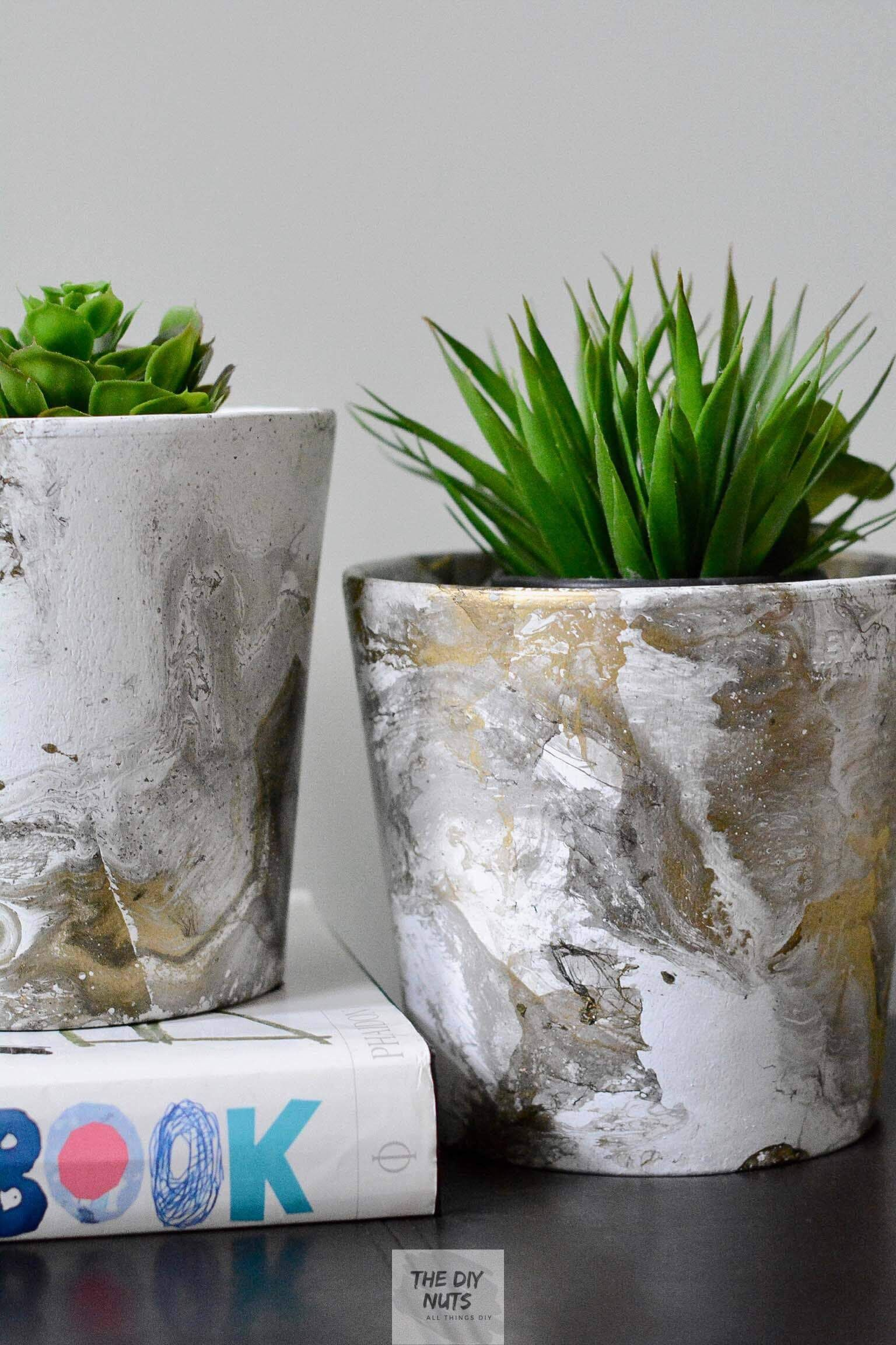 How To Make Easy Diy Marbled Pots Which Is The Best Paint Marbling Technique Painted Pots Diy Diy Flower Pots Marbling Techniques