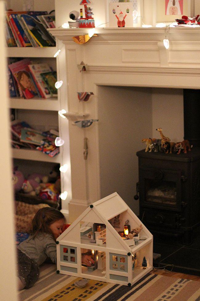 Dolls House Makeover Maison De Poupee Maison Idee Chambre