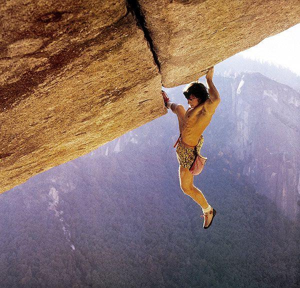 Separate Reality Segunda En Solo Yosemite Climbing Rock Climbing Rock Climbers