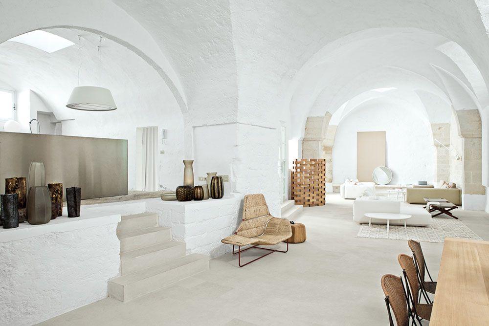 Oracle fox sunday sanctuary minimalist italian house for Corsi interior design lecce