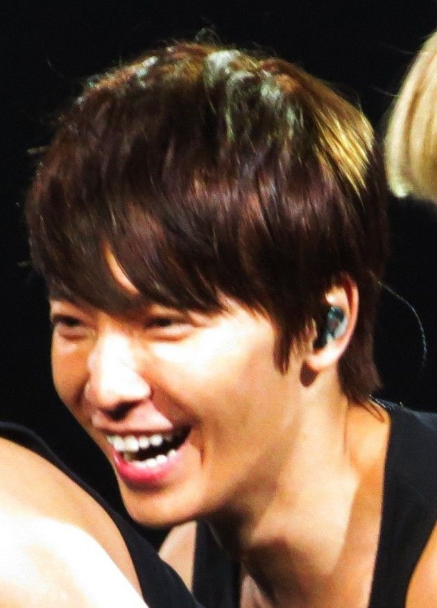 cool [Fan Account] Donghae Sang to Me!