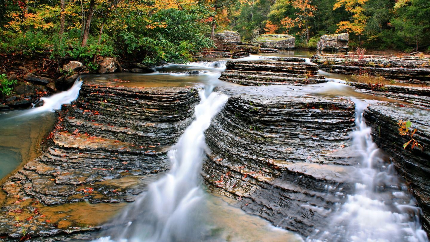 10 Amazing Swimming Holes In Tennessee
