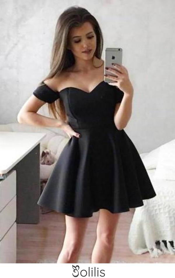 Simple Off the Shoulder Black Homecoming Dresses Sweetheart Satin Short Prom Dresses H1089