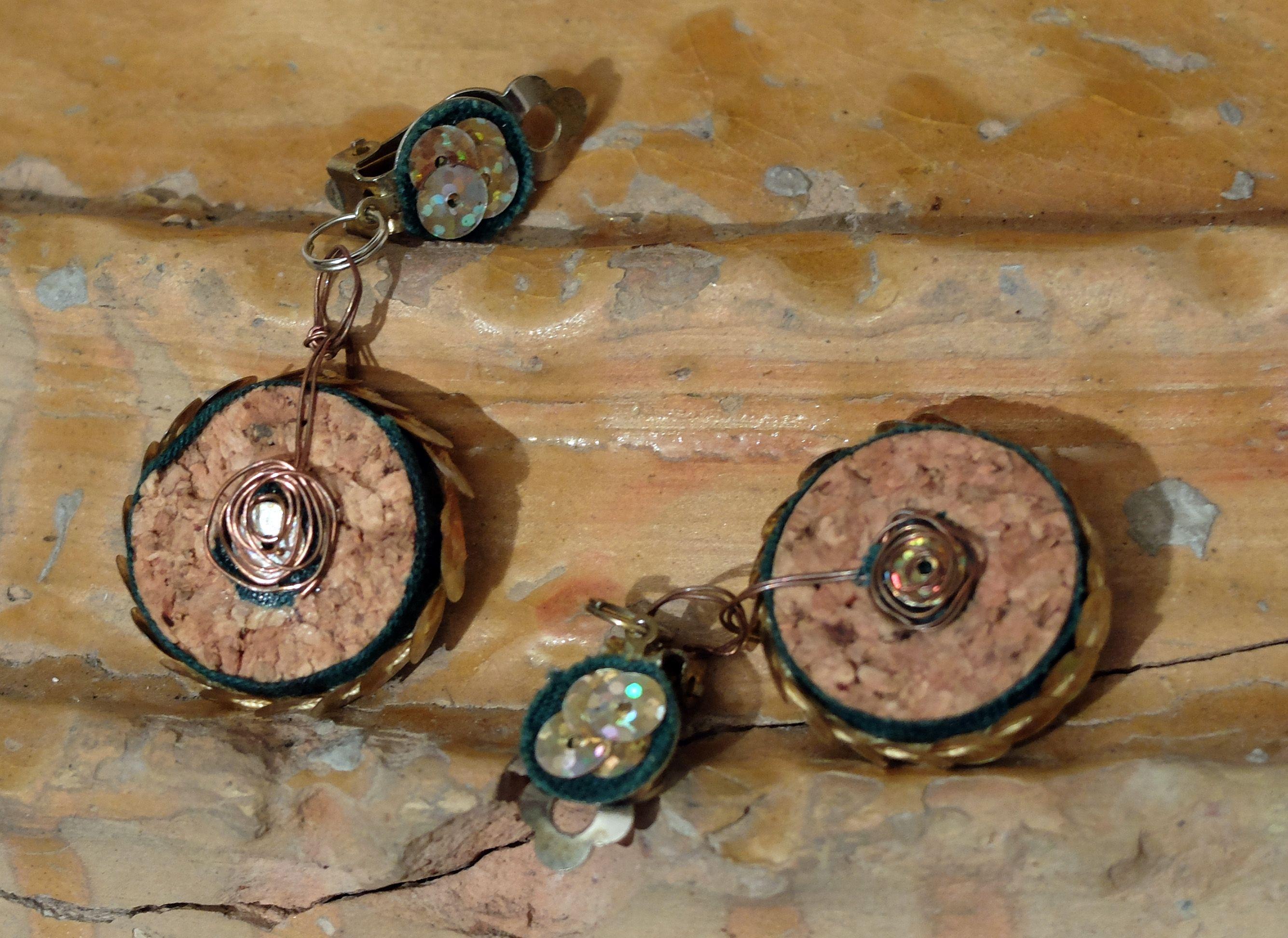 orecchini (sughero,pailettes,tessuto,rame)